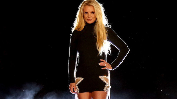 Britney Spears shows how she broke foot in new video