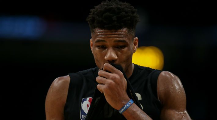 Bucks' Antetokounmpo to miss at least two games with knee sprain