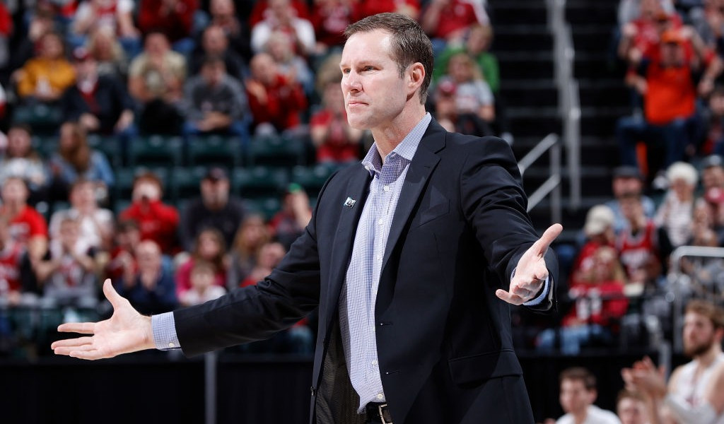 Ill Fred Hoiberg leaves IU-Nebraska Big Ten tournament game
