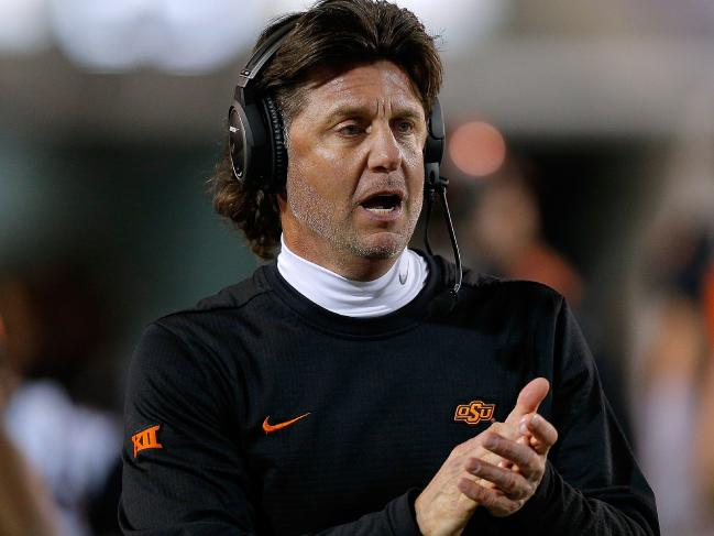 Oklahoma State's Mike Gundy issues apology days after COVID-19 comments